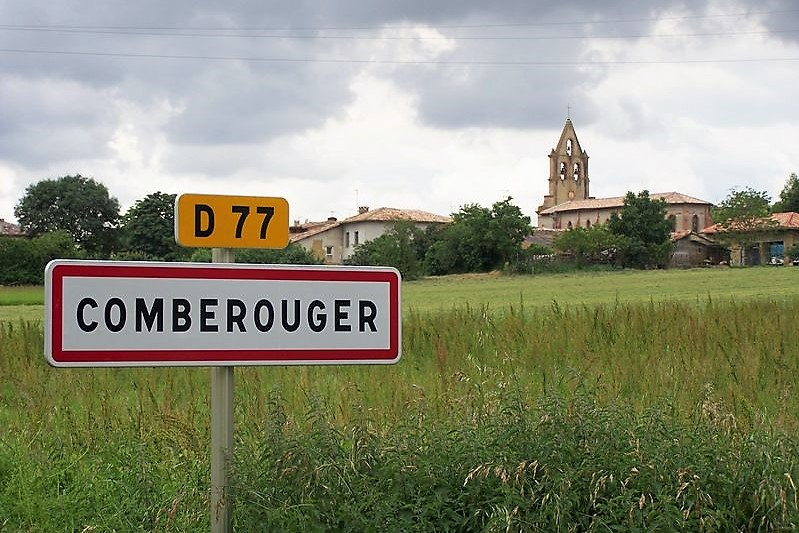 Comberouger entrée du village